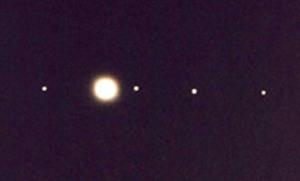 Jupiter-moons-in-scope
